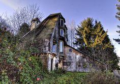 Abandoned house on Highway 30 outside of Portland, Oregon.