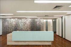 Oficinas Frusan / Santiago, Chile.  Diseño especial, hojas de manzano