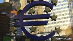 Euro drops after Draghi says ECB 'monitoring' value