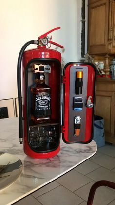 Welding Projects, Projects To Try, Jerry Can Mini Bar, Telephone Vintage, Dollar Tree Organization, Tool Organization, Mini Bars, Firefighter Gifts, Cigars And Whiskey