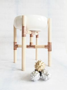 Make your own copper centerpiece with wood & copper - plant stand?