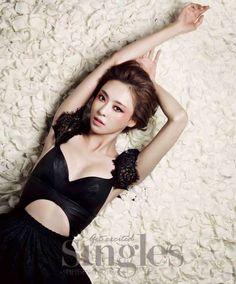 Lee Da-hee's voluptuousness @ HanCinema :: The Korean Movie and Drama Database