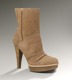 9d5a2aec8d3 Knock off Uggs Bianka Sand Boots