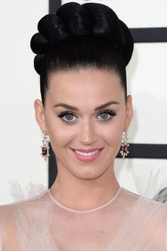 The 10 Beauty Moments You Can't Miss from Last Night's Grammy Awards - Katy Perry