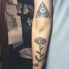 Botanical Yarrow tattoo by Maggie Brophy at Gnostic Tattoo. Brooklyn, NY.  http://instagram.com/p/mTKLfSx-SZ/