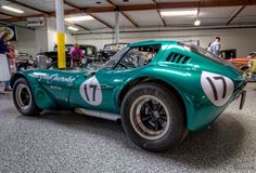 Learn more about Finally a Real One: 1964 Bill Thomas Cheetah on Bring a Trailer, the home of the best vintage and classic cars online. Car Chevrolet, Chevy, Vintage Racing, Vintage Cars, Vintage Auto, Old American Cars, American Racing, Le Mans, Nascar