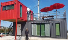As Container Hacker, we are researching the most beautiful projects made with shipping containers. Today's container house is from South Korea. 40ft Shipping Container, Cargo Container Homes, Container House Design, Shipping Containers, Container Architecture, Sustainable Architecture, Container Homes Australia, Dome House, Earth Homes