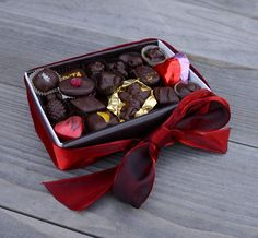 Treat your significant other this year with PETA's Valentine's Day Vegan Chocolate Box from the PETA Catalog <3