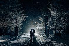 whistler wedding photos Snowy wedding photo at night in Whistler Snowy Wedding, Wedding Night, Wedding Pics, Christmas Wedding Pictures, Wedding Ideas, Wedding Games, Forest Wedding, Wedding Dresses, Gold Wedding