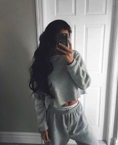 22 Pretty Casual Style Looks For Ending Your Winter fashion Affordable Outfits Pajama Outfits, Chill Outfits, Casual Outfits, Cute Outfits, Loungewear Outfits, Lazy Winter Outfits, Outfit Winter, Fashion Mode, Fashion Outfits