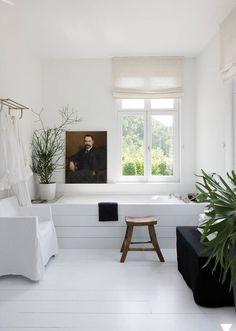 art in the bathroom #bathrooms #homedesign #style
