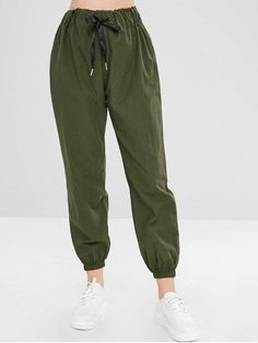 Plain High Waisted Jogger Pants - Army Green L, the modern jogger styles that are designed with a drawstring waist and two pockets design. They are the perfect casual styles that can be paired with . Teen Fashion Outfits, Trendy Outfits, Cute Outfits, Style Fashion, Trendy Fashion, Ski Fashion, Fashion Women, Outfits Tipps, Minimalist Outfit