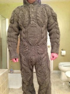A Guy Wearing a Full Body Cable Sweater - or - Another Bad Bathroom Portrait .and it looks worse from the back! Pull Torsadé, Cable Sweater, Ugly Sweater, Men Sweater, Cable Knit, Cat Sweaters, Weird Fashion, Guy Pictures, Pulls