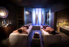 Partner Massage im Bergland Design & Wellnesshotel Sölden.   #leadingsparesorts #leadingspa #wellness #wellnesshotel #wellnessurlaub #auszeit #entspannen #massage #partnermassage #entspannen #relax #fotografie #hotel #resort #sölden #tirol Design Hotel, Wellness Hotel Tirol, Sky Pool, Das Hotel, Massage, Berg, Relax, Resort Spa, Bean Bag Chair