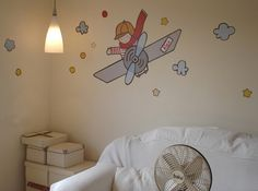 Vinilo infantil aviador en habitación niño