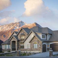 Gorgeous home and stunning background by @highlandcustomhomes   Aku mau sih kayak gini