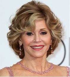 Jane Fonda at 77 years old with short straight hairstyle