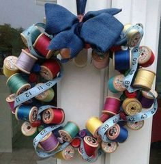 Sewing studio vintage thread spools New ideas Sewing Room Decor, My Sewing Room, Sewing Rooms, Wreath Crafts, Diy Wreath, Mesh Wreaths, Wreath Ideas, Wooden Spool Crafts, Wooden Spools