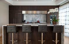 Pratt Designs :: Cherry Creek :: Contemporary Kitchen with Breakfast Bar #interiordesign #contemporary #kitchen #barstools #island #darkwood #stainlesssteel #cherrycreek #Denver #Colorado