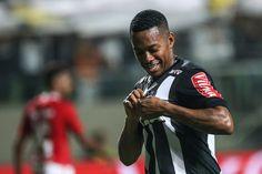 Robinho diz que pretende renovar com o Galo e descarta retorno ao Santos #globoesporte