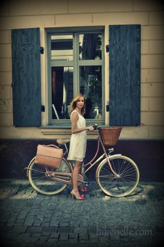 Romantic, city ride with elegant, bike bag from Bike Belle, the beautiful, bicycle boutique.