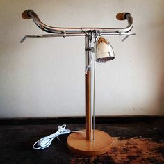 Bike desk lamp represents sporty spirit – upcycleDZINE | Please subscribe to my NEWSLETTER at upcycledzine.com ! #upcycle #design