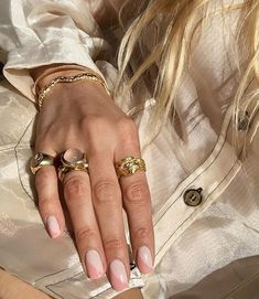 nails negative space 12 Popular Winter Nail Art Trends That You Need To Try ASAP Nagellack Design, Nagellack Trends, Minimalist Nails, Minimalist Fashion, Minimalist Jewelry, Modern Minimalist, Winter Nail Art, Winter Nails, Summer Nails