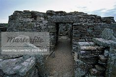 Iron Age houses, Broch of Gurness, Aikerness, dating from circa 200 BC, settled from Iron Age and Pictish periods, Mainland, Orkney Islands, Scotland, United Kingdom, Europe