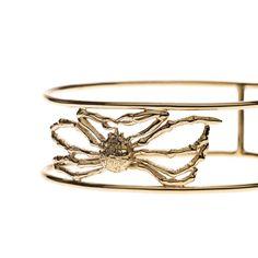 Der Schmuck von En Attendant Serge wird in Handarbeit produziert Harpers Bazaar, Heart Ring, Watches, Rings, Jewelry, Handarbeit, Schmuck, Parisian, Jewlery
