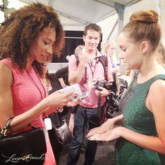 Lauren Conrad showing off her green manicure at New York Fashion Week. #LaurenConrad #nyfw