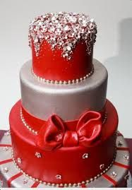 I love the top layer but would rather have an ivory cake with red flowers