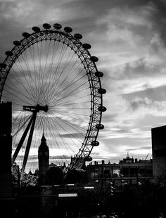 Das London Eye von der Waterloo Bridge – Urlaub in Deutschland Black Aesthetic Wallpaper, Gray Aesthetic, Black And White Aesthetic, Aesthetic Collage, Aesthetic Backgrounds, Black Wallpaper, Aesthetic Wallpapers, Aesthetic Bedroom, Black And White Picture Wall