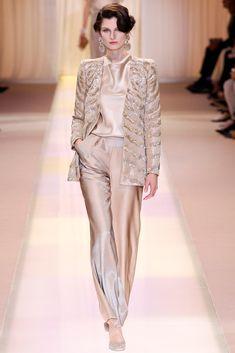 Armani Privé Fall 2013 Couture Fashion Show Couture Fashion, Hijab Fashion, Runway Fashion, Fashion Dresses, Womens Fashion, Armani Prive, Fashion Week, Fashion Show, Fashion Looks