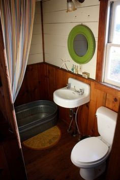 Galvanized bath tub...or should I say, a trough  for the kids if you don't have a tub! Love this :-)