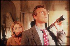 Buffy the Vampire Slayer - Publicity still of Sarah Michelle Gellar & Anthony Stewart Head