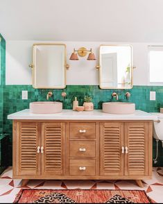 Remodel before and after Before and After: This Is Not a Minimalist, Monochromatic Bathroom Makeover Before and After: This Is Not a Minimalist, Monochromatic Bathroom Makeover Boho Bathroom, Bathroom Styling, Small Bathroom, Bathroom Storage, Colorful Bathroom, Bathroom Ideas, Bathroom Vanities, Bathroom Organization, Master Bathrooms