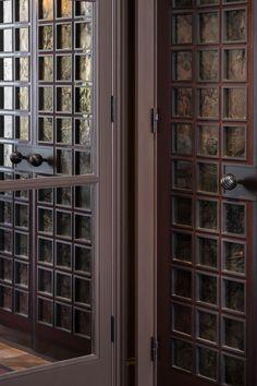 Main Entrance Door, House Entrance, Entry Doors, Luxury Homes Interior, Home Interior Design, Restaurant Door, Wall Panel Design, Double Door Design, Iron Gate Design