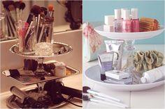Como organizar sua penteadeira ou cantinho de maquiagem > Vem ver > http://tudoorna.com/tudomake/2013/10/08/como-organizar-sua-penteadeira-ou-cantinho-de-maquiagem/