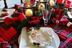 Santa Plaid Christmas table