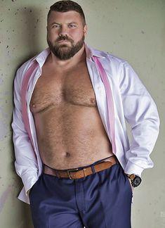 Beefy Men and Bulls Hairy Men, Bearded Men, Beefy Men, Big Men Fashion, Men's Fashion, Daddy Bear, Fat Man, Bear Cubs, Bears