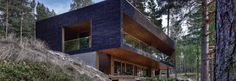 Modern log homes and post-beam homes Villa, Post And Beam, House On A Hill, Log Homes, Home Fashion, Scandinavian Design, Cottage, Cabin, Windows