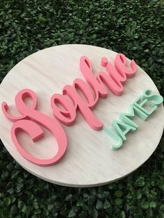 Round Baby Name Sign Wood Nursery Name Sign Baby Shower Gift Decor Newborn Baby Girl Boy Custom Pers Wood Nursery, Nursery Name, Girl Nursery, Cute Baby Girl Names, Baby Names, Wooden Names, Wooden Signs, Baby Name Decorations, Log Home Interiors