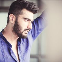 Son of Bollywood producer Boney Kapoor and nephew of Anil Kapoor – Arjun Kapoor – turned 30 today! Undercut Styles, Beard Styles, Hair Styles, Bollywood Actors, Bollywood Fashion, Arjun Kapoor Hairstyle, India Actor, Types Of Beards, Cute Profile Pictures
