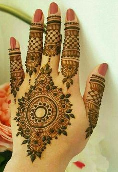 Beautiful Mehndi Design - Browse thousand of beautiful mehndi desings for your hands and feet. Here you will be find best mehndi design for every place and occastion. Quickly save your favorite Mehendi design images and pictures on the HappyShappy app. Henna Hand Designs, Dulhan Mehndi Designs, Mehndi Designs Finger, Simple Arabic Mehndi Designs, Mehndi Designs For Girls, Mehndi Designs 2018, Modern Mehndi Designs, Mehndi Designs For Fingers, Wedding Mehndi Designs