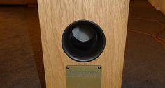 Ty tvary už jsme někde viděli... Ale zvukově za danou cenu fungují naprosto v pohodě. Audio Solutions Euphony 90. Více na http://www.hifi-voice.com/testy-a-recenze/reprosoustavy-podlahove/1557-audio-solutions-euphony-90.html