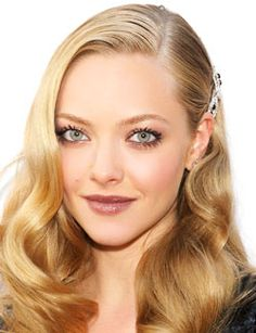Old Hollywood glamour style - Amanda Seyfried. This makeup <33