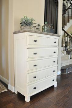 Bedroom Furniture Inspiration, Cream Bedroom Furniture, Bedroom Furniture Makeover, Wood Bedroom, Furniture Ideas, Chalk Paint Bed, Chalk Paint Furniture, White Chalk Paint, Painted Beds