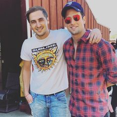 """""Great Minds Think Alike"" Ran into #LoganHenderson and his family randomly at the horseback riding stable while riding with mine""  << OMG finally seeing some Big Time Rush Brothers together again ♡ Everytime they post photos like this, they remind me how much I truely miss them <3 #RusherForever #BTRForever"