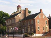 NEW CASTLE COURT HOUSE MUSEUM (New Castle, DE), built in 1732, is one of the oldest surviving courthouses in the United States and a registered National Historic Landmark Site.