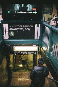 On the 6 w/ Caroline. Learning the NYC train/subway system 33 Street Station Downtown only➏
